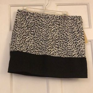 NWT Michael Kors Black & white leopard print skirt